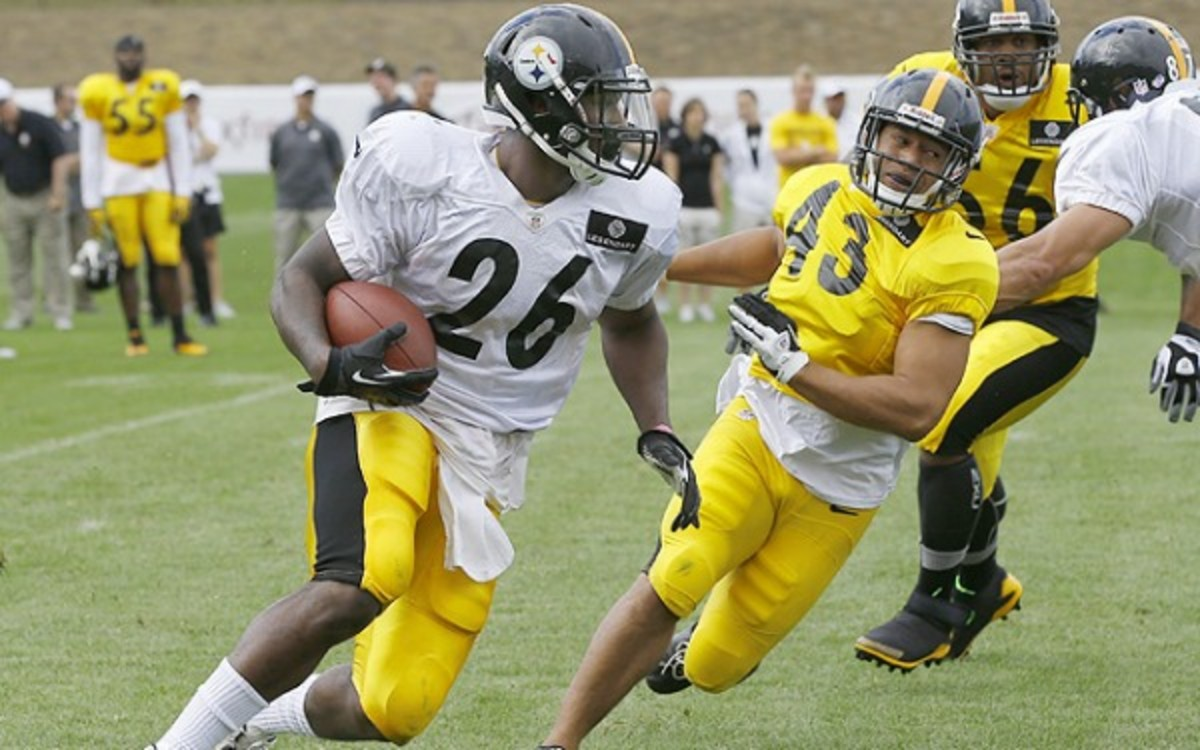 Steelers rookie running back Le'Veon Bell will miss about six weeks with a foot injury.  (AP Photo/Keith Srakocic)