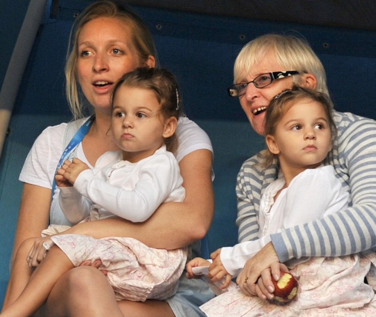 Charlene and Myla Rose at the 2012 Australian Open (AFP/Getty Images)