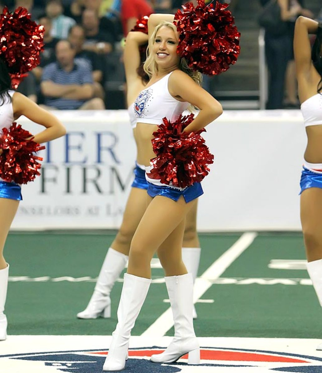 130819165407-163688-arena-bowl-by4-0316-single-image-cut.jpg