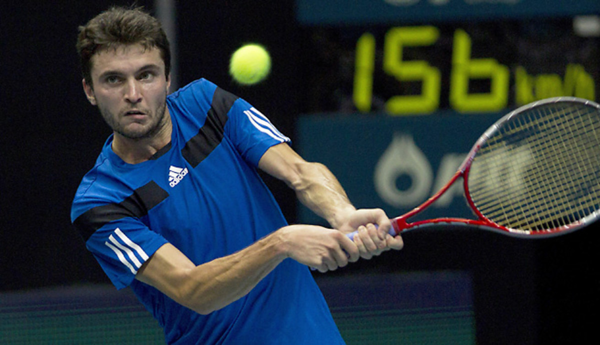 Tomas Berdych outlasted Gilles Simon to advance to the final of the Thailand Open.
