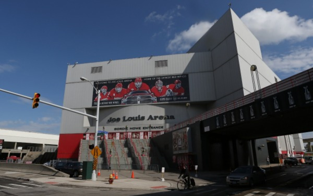 The Detroit Red Wings have played in Joe Louis Arena for 32 years. (Tom Szczerbowski/Getty Images)