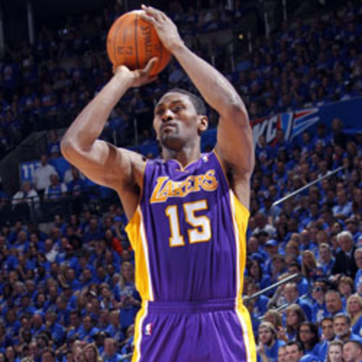Los Angeles Lakers forward Metta World Peace has a knee injury and sent back home for evaluation. (Layne Murdoch/Getty Images)