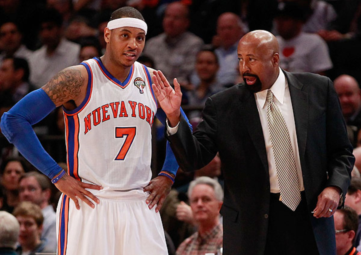 Mike Woodson talks to New York Knicks forward Carmelo Anthony