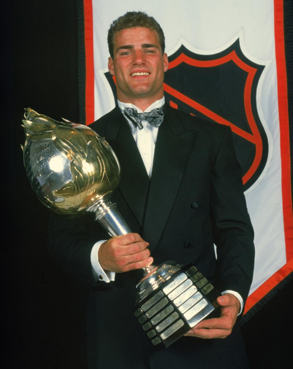 Hart Memorial Trophy Winner Lindros