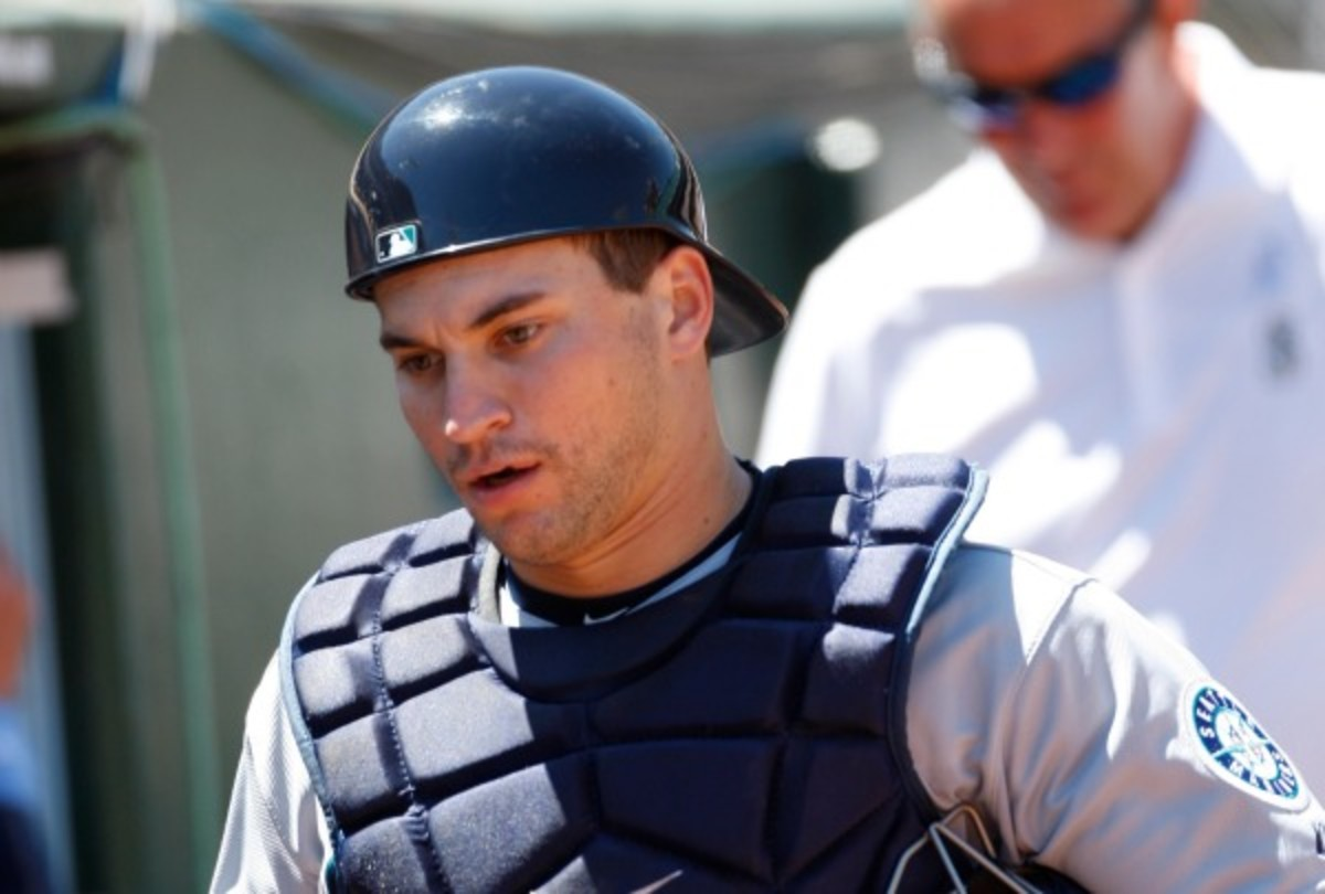 Mike Zunino will miss six weeks after fracturing a bone in his left hand. (Michael Zagaris/Getty Images)