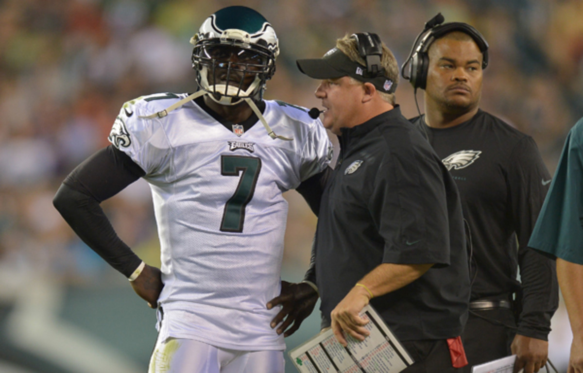 Chip Kelly's offense run by Michael Vick is nifty, but it's hardly new. (Drew Hallowell/Getty Images)