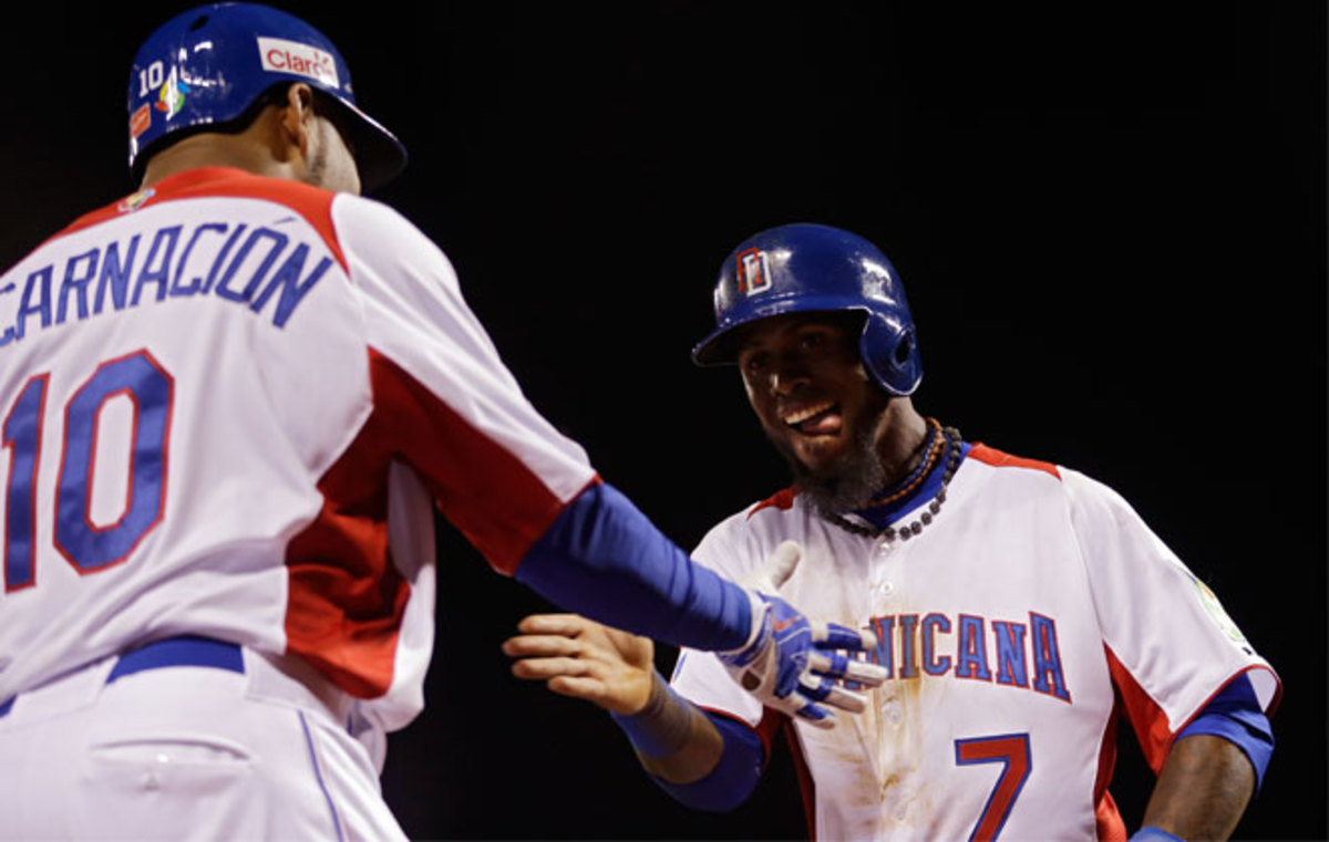 Jose Reyes (right) had the go-ahead, RBI single in the fifth inning to help the Dominican Republic advance to the WBC final.
