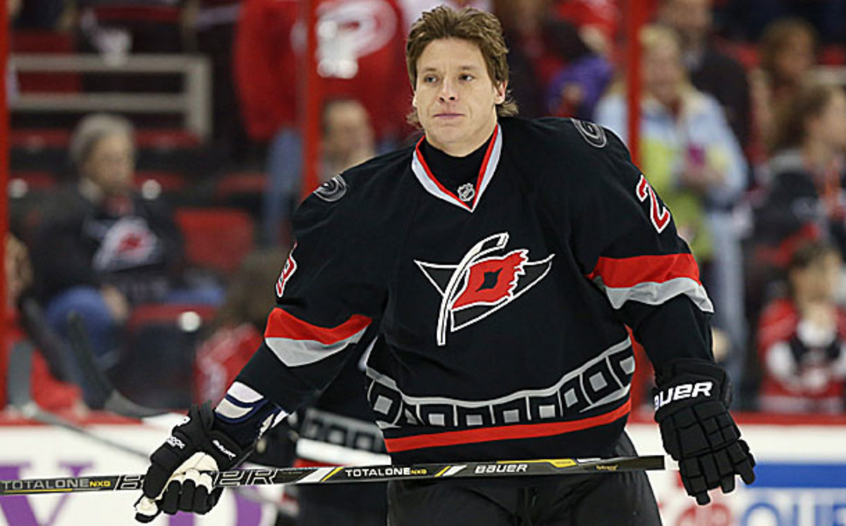 Alexander Semin of the Hurricanes faces his old team for the first time