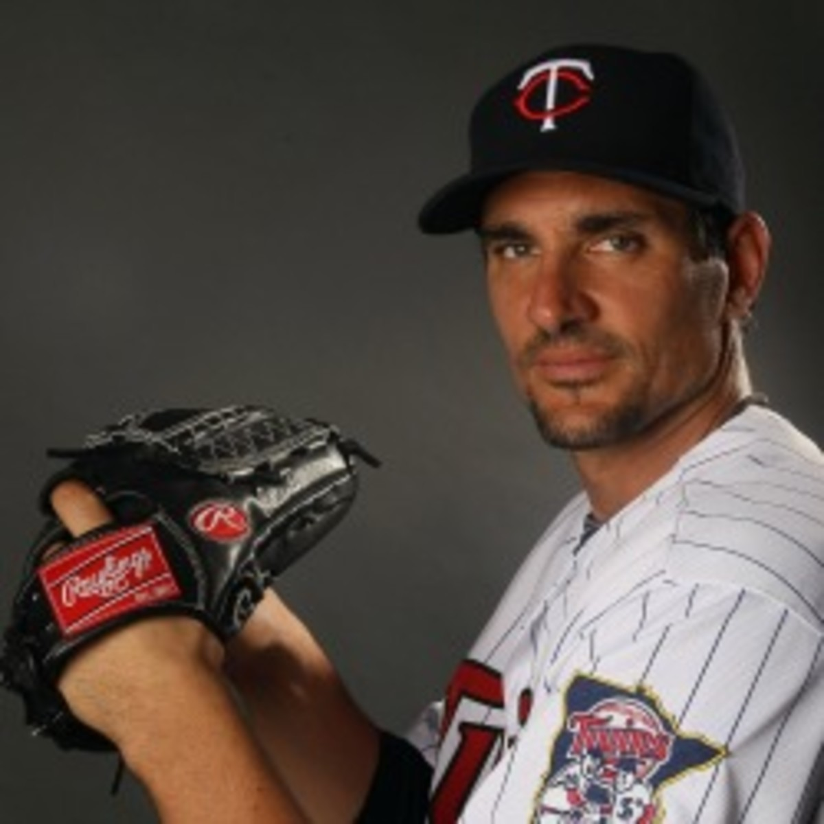 Former Twins pitcher Carl Pavano lacerated his spleen(Elsa/Getty Images)