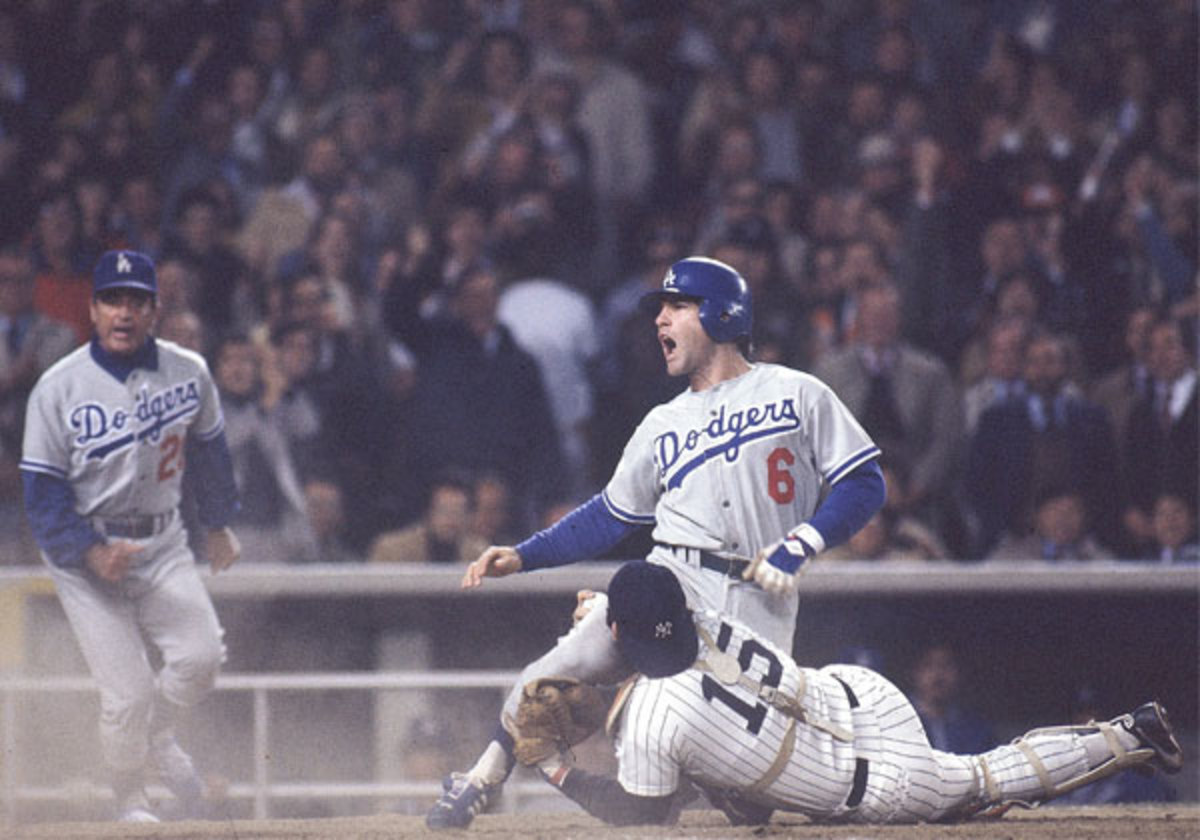 Dodgers' Steve Garvey tagged out by Yankees' Thurman Munson in 1997 World Series