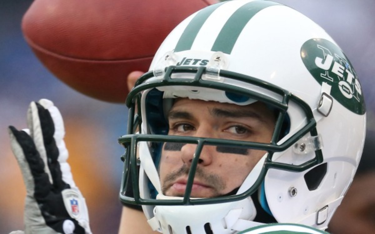 Jets players reportedly want Mark Sanchez to be the starter. (Tom Szczerbowski/Getty Images)