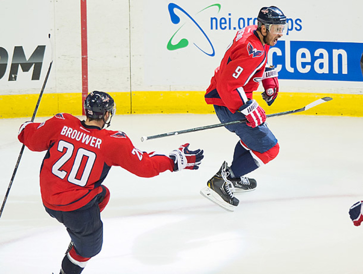 Capitals center Mike Ribeiro scored the game-winning goal in overtime to give Washington the series lead.