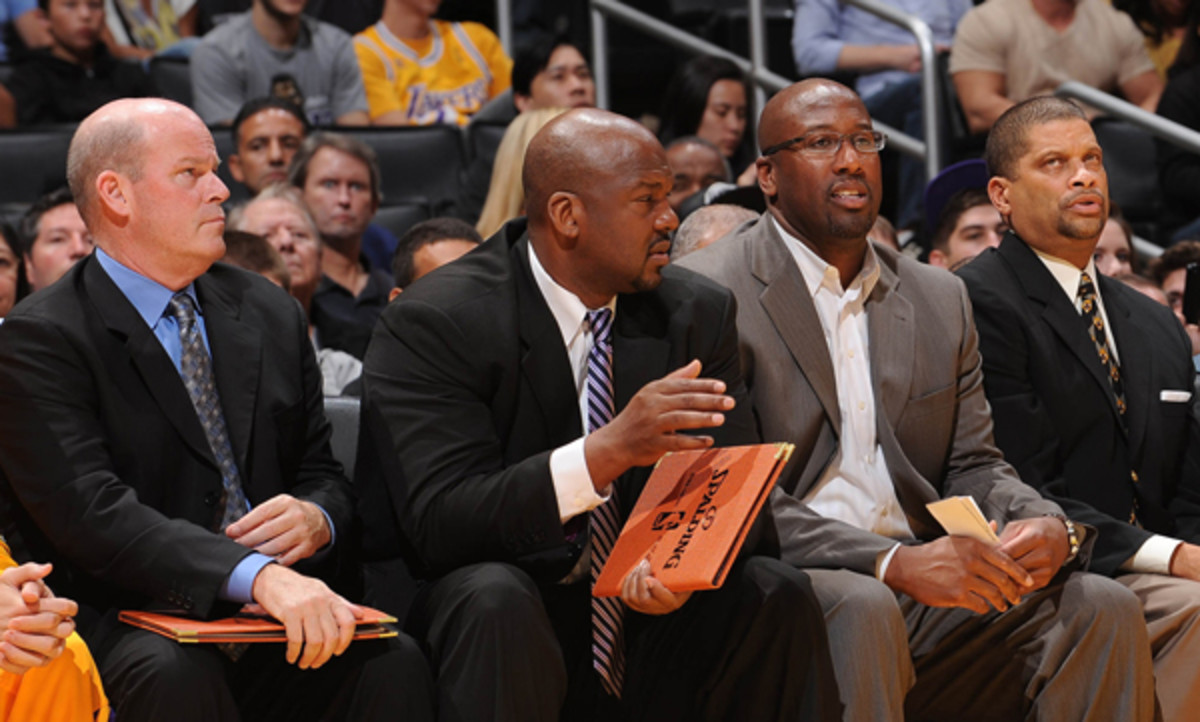 Steve Clifford (far left) is reportedly leaving the Lakers' bench for the Bobcats. (Juan Ocampo/Getty Images)
