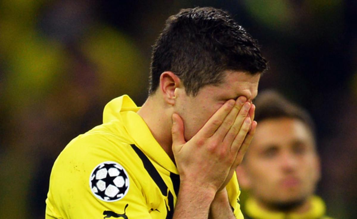 Robert Lewandowski reacts after losing in the Champions League final to Bayern Munich.