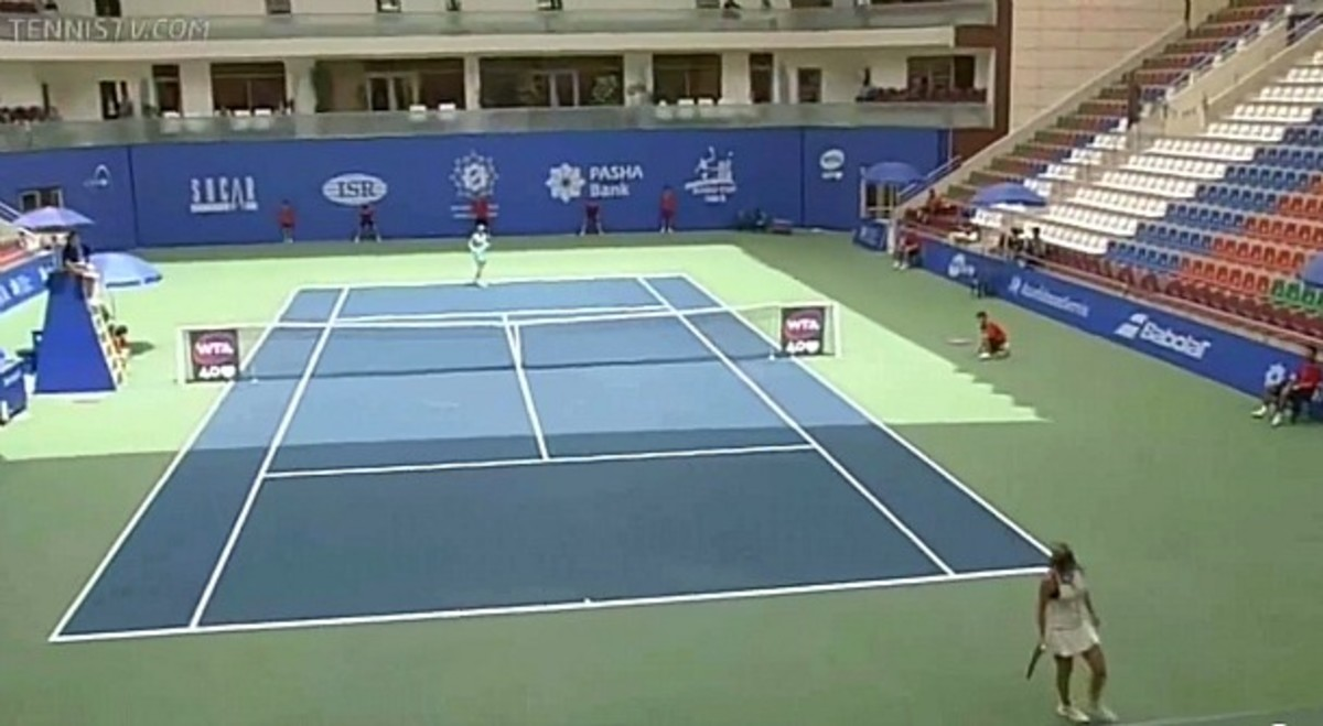 Fans must have dressed up as empty seats during the final at the Baku Cup (Screengrab from TennisTV)