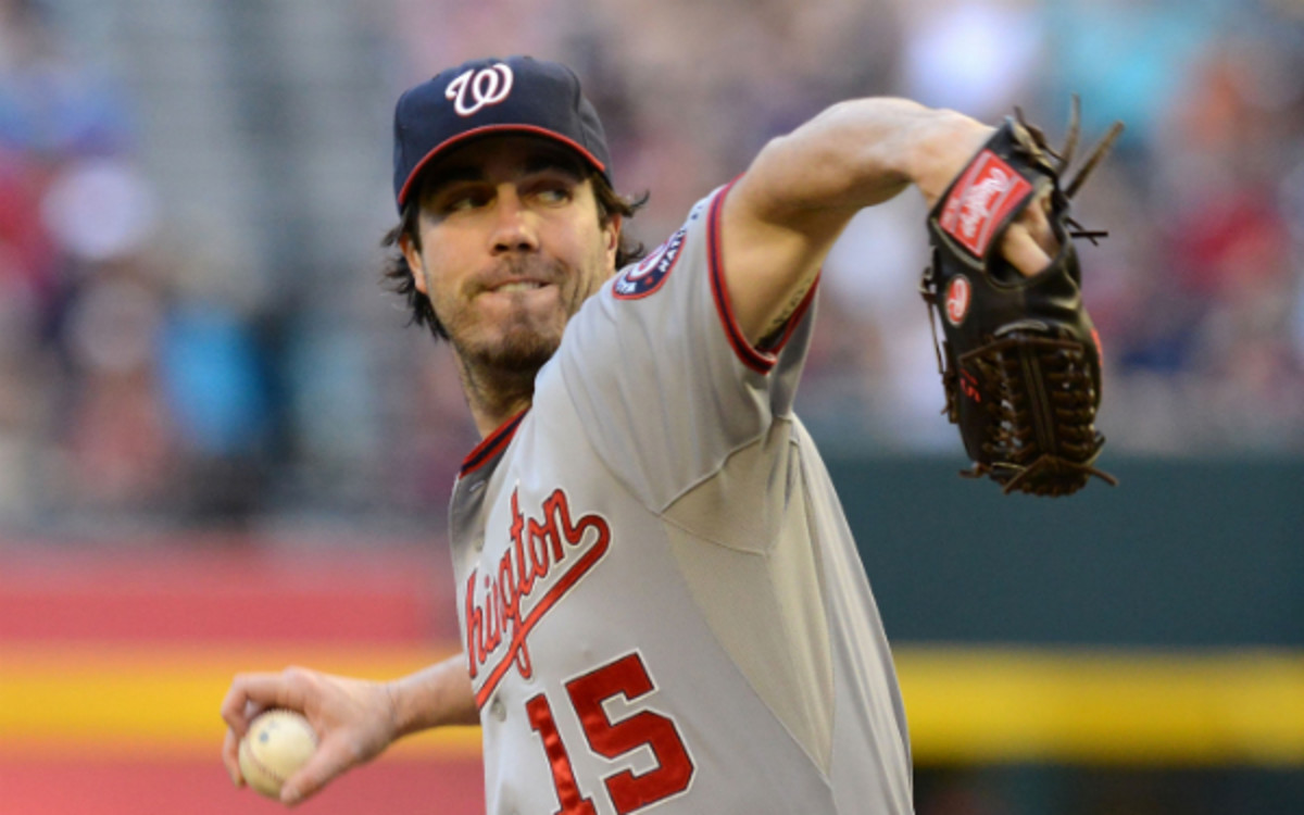 Dan Haren is heading to the Dodgers on a one-year contract. (Norm Hall/Getty Images)
