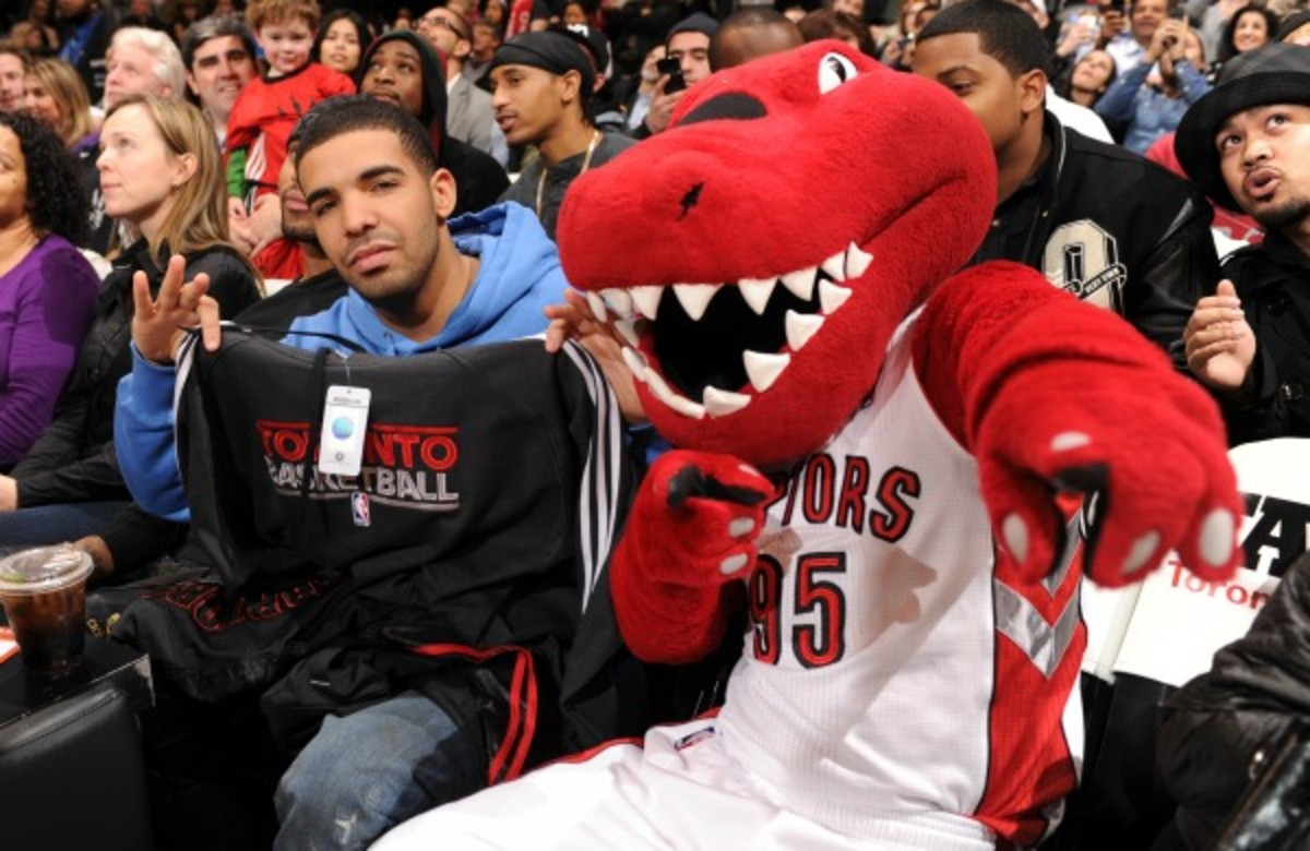 Canadian rap star Drake joined Raptors' All-Star Game announcement.(Ron Turenne/NBA/Getty)