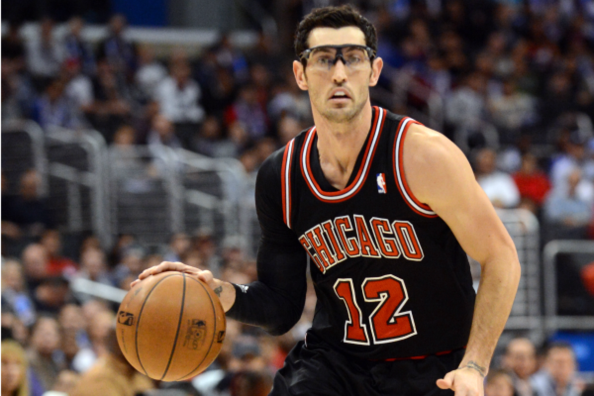 Kirk Hinrich's fantasy stock is hot after Derrick Rose's injury. (Noah Graham/Getty Images)