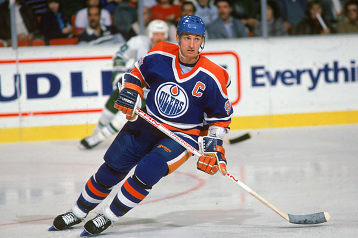 August 9th is the 25th anniversary of the trade of Gretzky from the Oilers to the Kings. (Bruce Bennett/Getty Images)