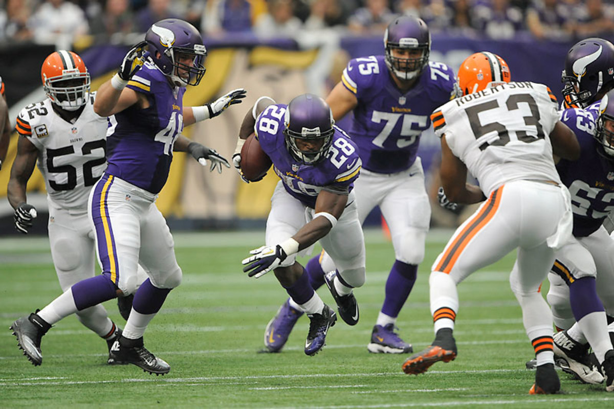 Zach Line (48) saw his blocking improve over the Vikings'  first three games; Adrian Peterson told him to get out faster so Peterson could hit the holes quicker. (Marilyn Indahl/Icon SMI)