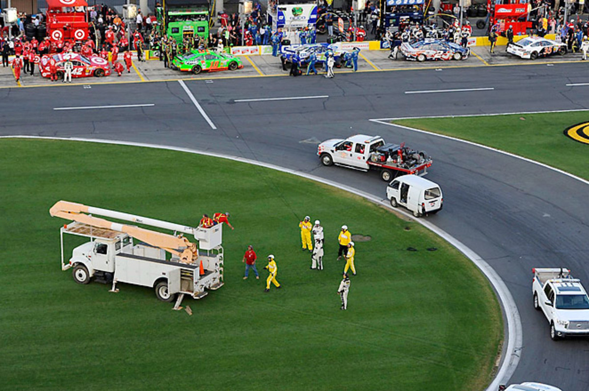 Ten people were injured during the Coca-Cola 600 at Charlotte after a Fox Sports cable snapped.