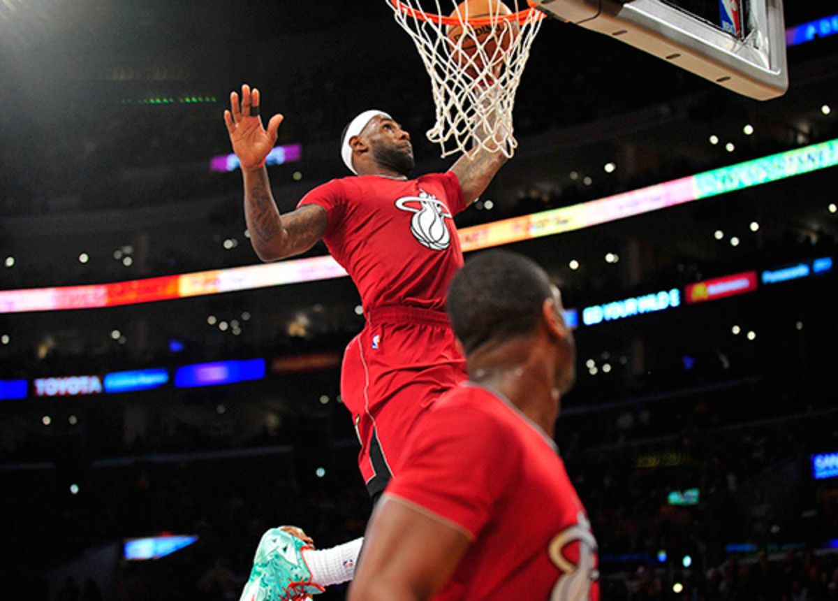 LeBron James and Dwyane Wade connected on a Christmas highlight. (Gary A. Vasquez/USA TODAY Sports)