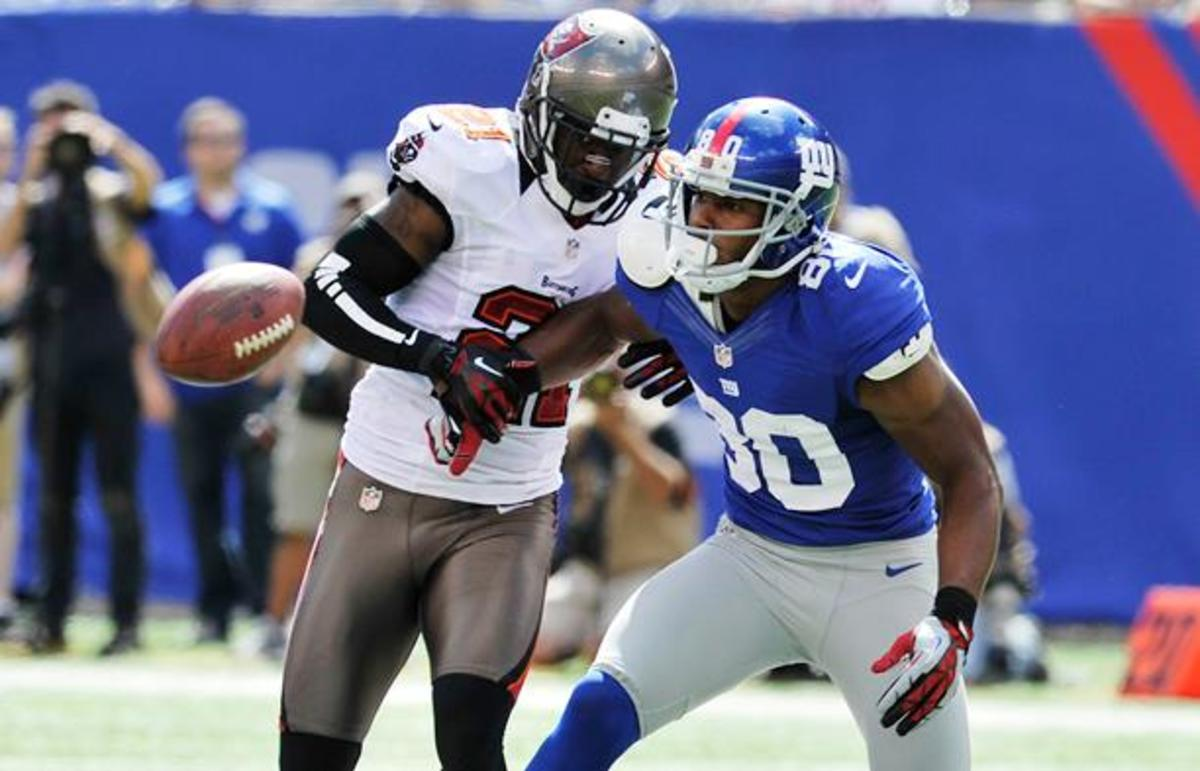 Eric Wright could push Carlos Rogers or Nnamdi Asomugha off the 49ers' roster. (Bill Kostroun, AP)
