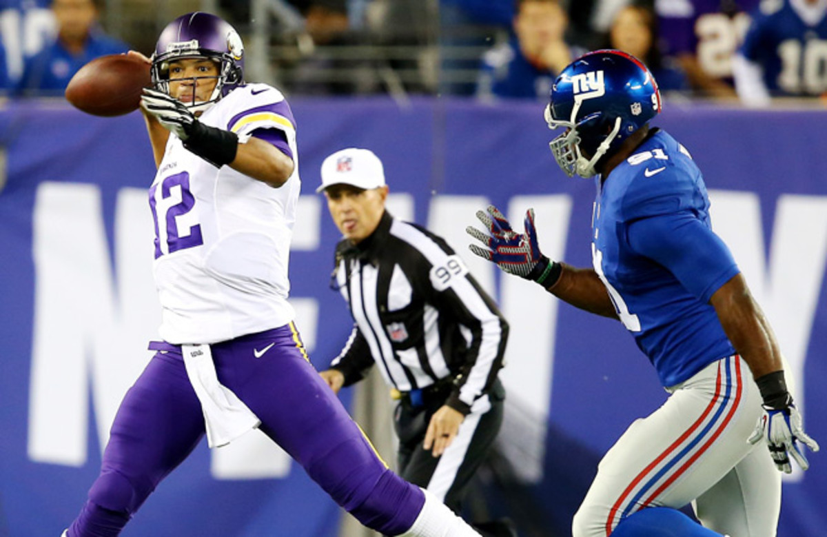 Josh Freeman went just 20-of-53 in his Vikings' debut, a 23-7 loss to the Giants.