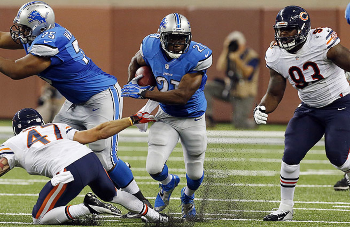 Reggie Bush (center) and the Lions will look to take command in the NFC North Sunday against the Bears.