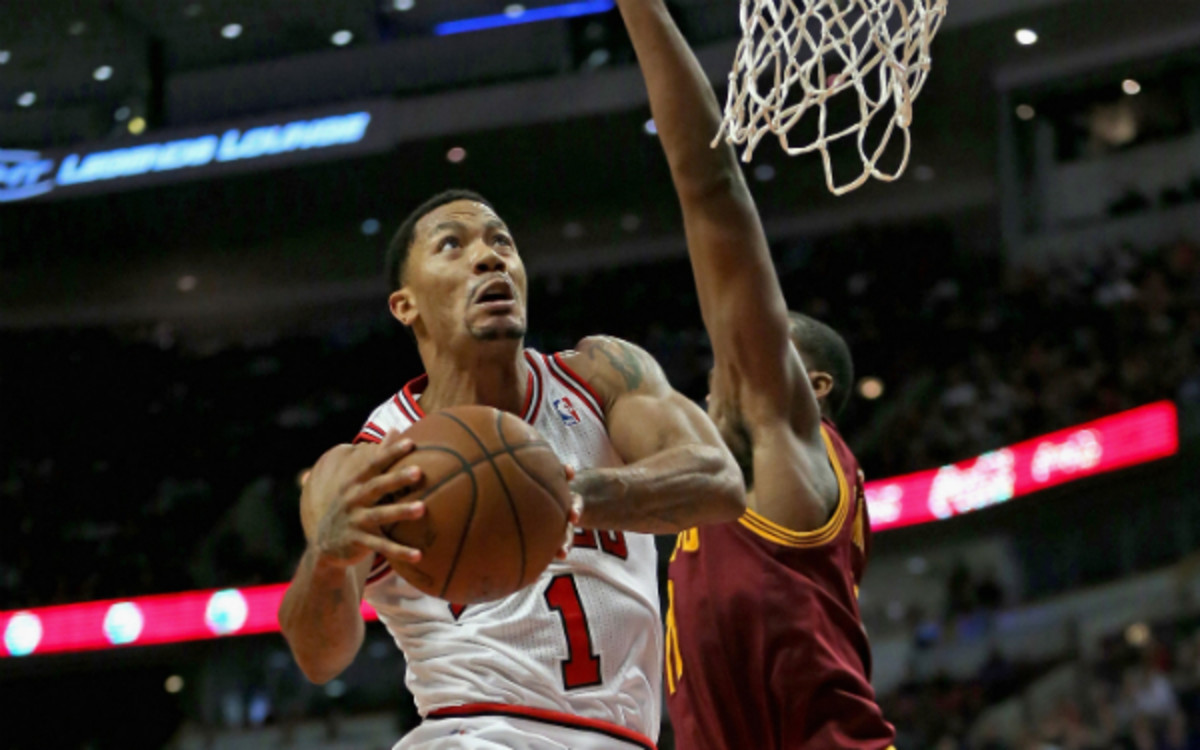Derrick Rose's hamstring will be re-evaluated on Tuesday. (Jonathan Daniel/Getty Images)