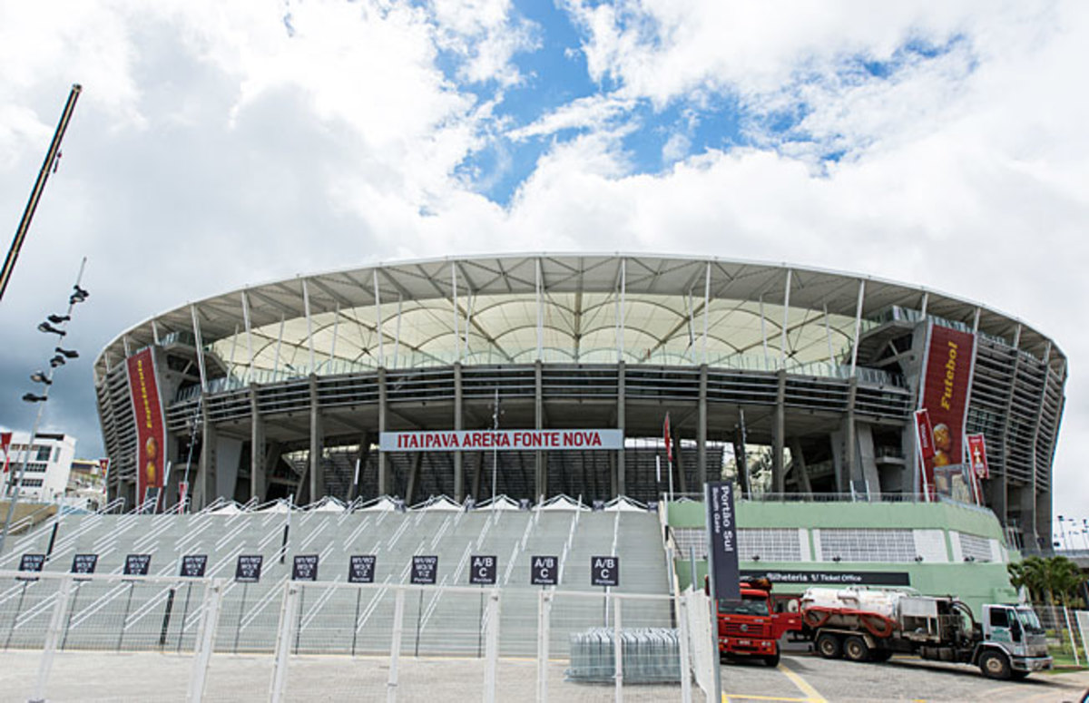 The roof of the Arena Fonte Nova was not able to sustain the large amount of water that settled on it.