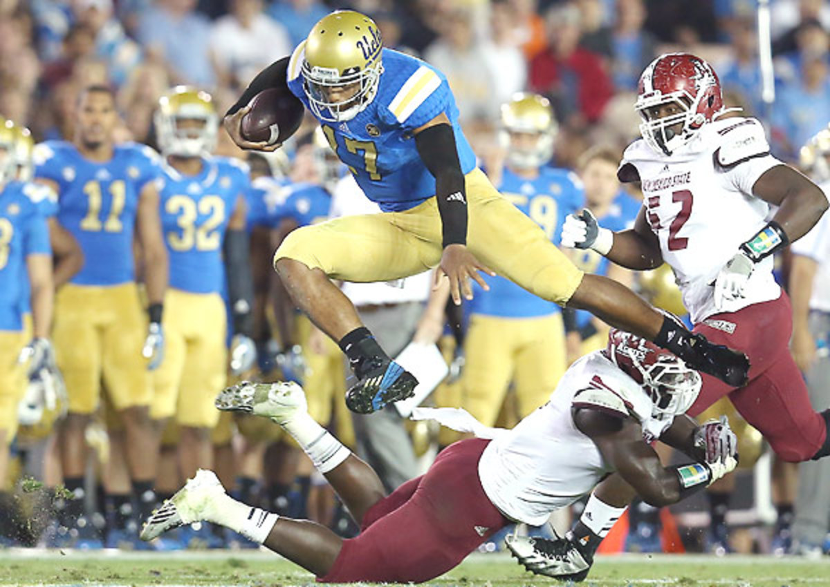 As UCLA rises up the rankings, don't be surprised to find Brett Hundley's name in the Heisman mix. (Stephen Dunn/Getty Images)