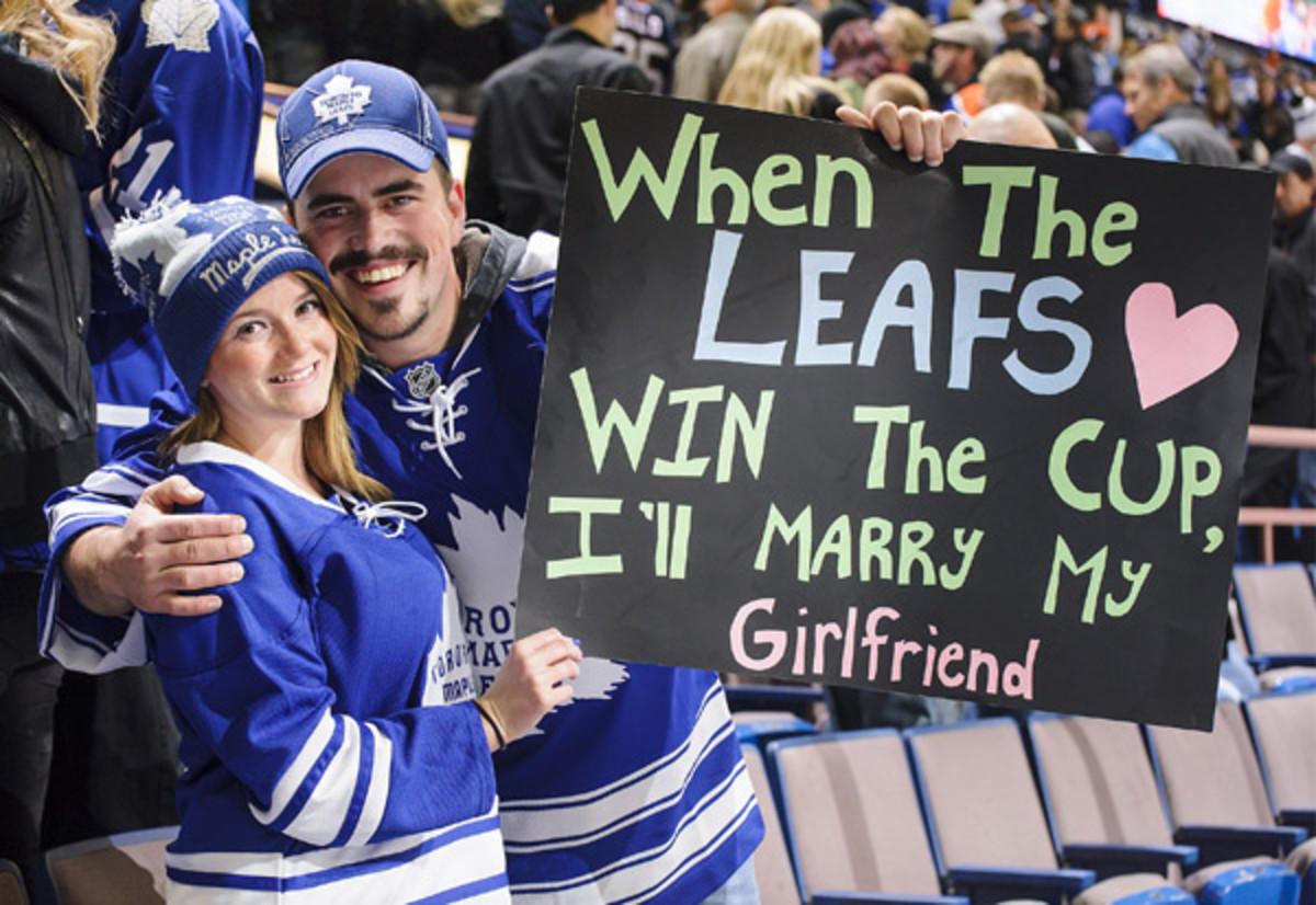leafs-fans.jpg