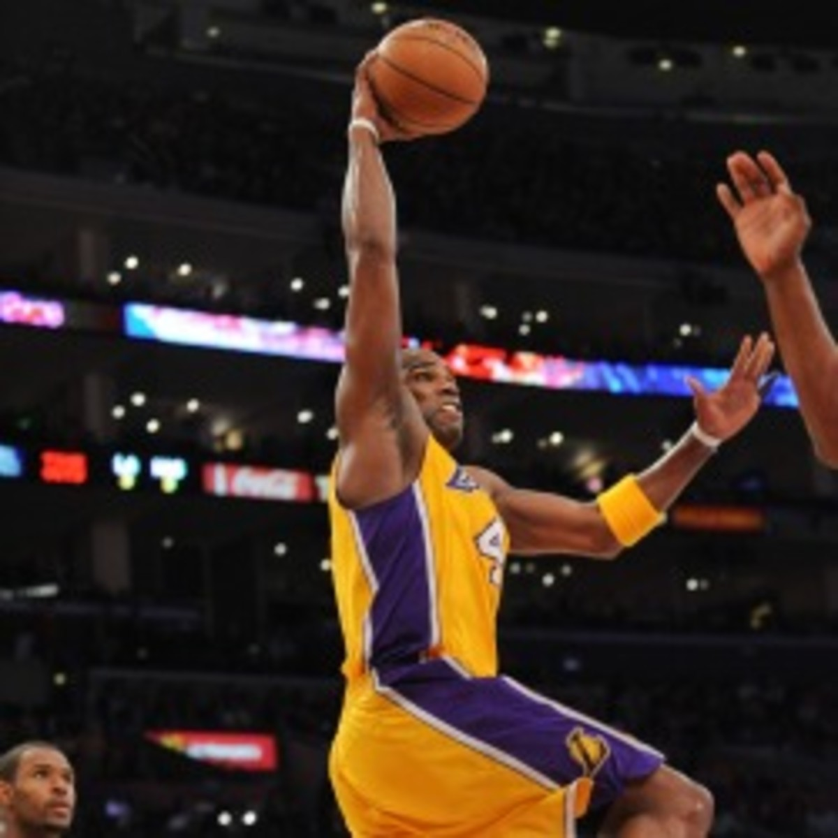 Lakers forward Antawn Jamison is not expected to miss time with an injured wrist. (Noah Graham/NBA/Getty Images)