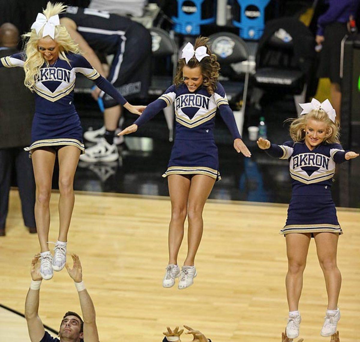 130325141943-akron-cheerleaders-164344400-10-single-image-cut.jpg