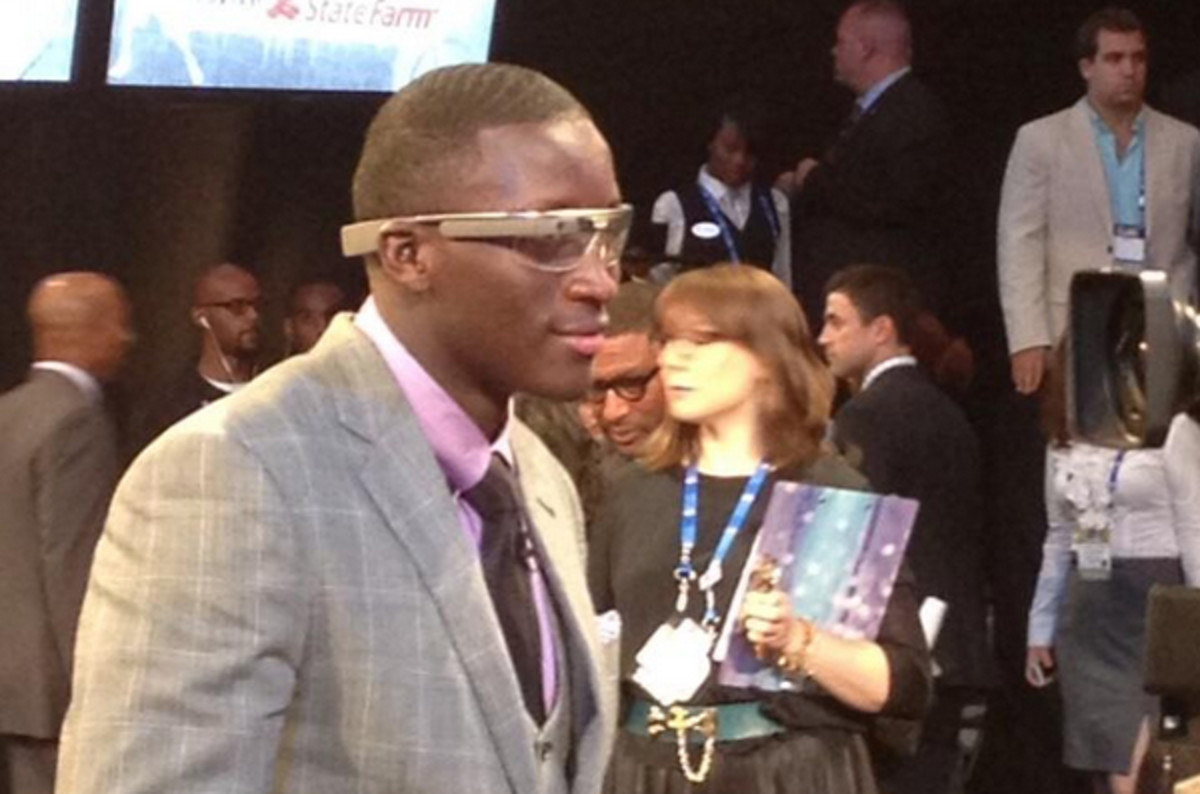 A side view of Victor Oladipo's Google Glass.
