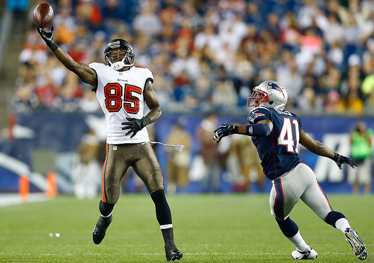 The Bucs need another playmaker to step up at receiver, and free agent Kevin Ogletree made his case against the Pats. (Jared Wickerham/Getty Images)