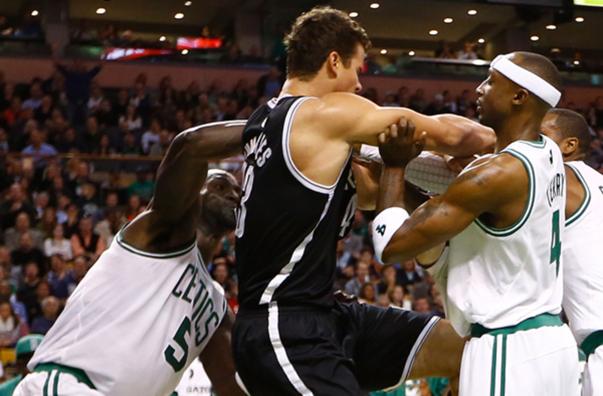 Kevin Garnett (left) and Kris Humphries could swap places in a Nets, Celtics deal.