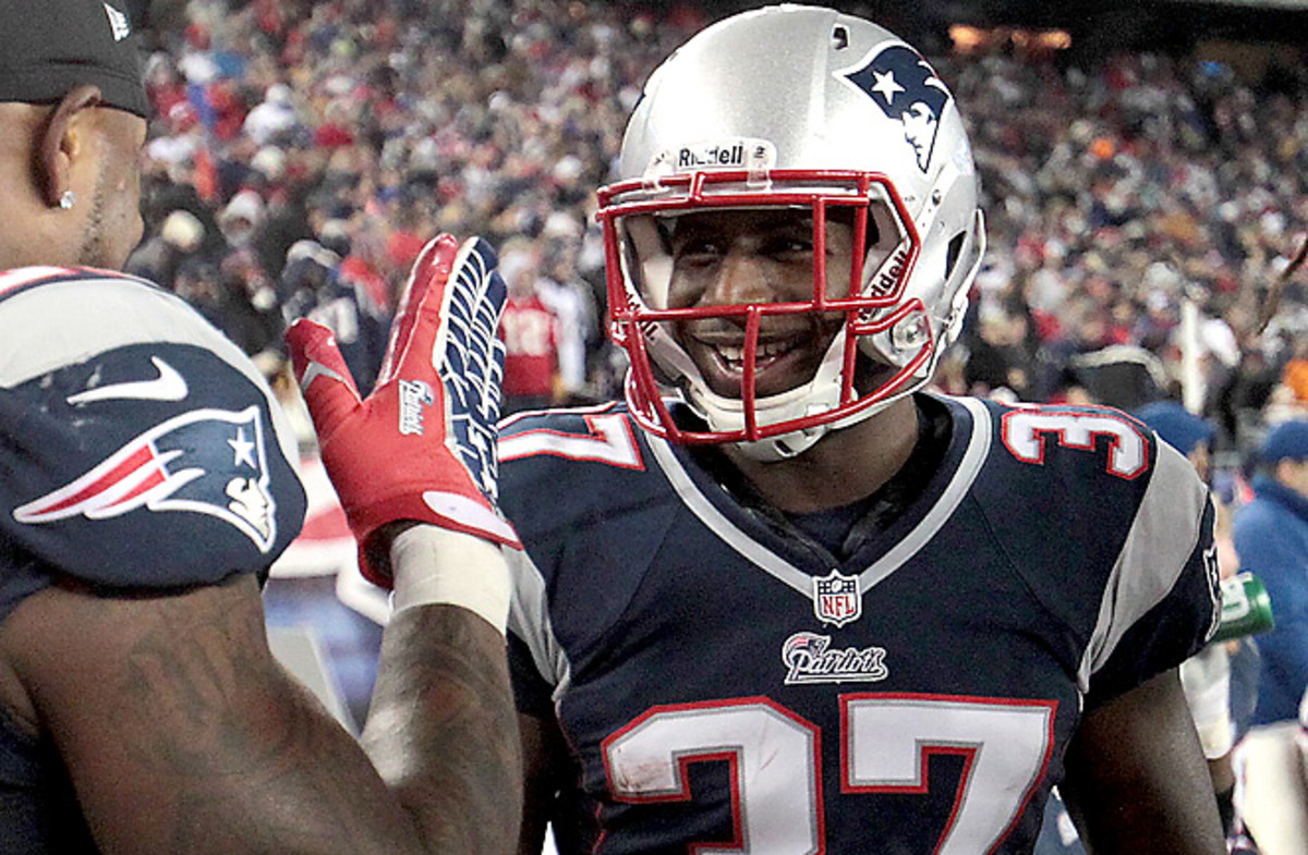 Alfonzo Dennard started seven games as a rookie, hauling in three interceptions.