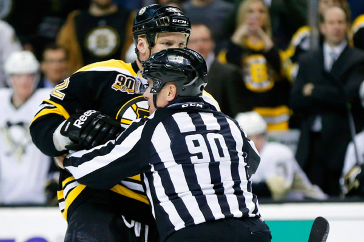 Shawn Thornton's punches on Brooks Orpik landed him the second-longest suspension of the Brendan Shanahan era.  (Fred Kfoury/Icon SMI)