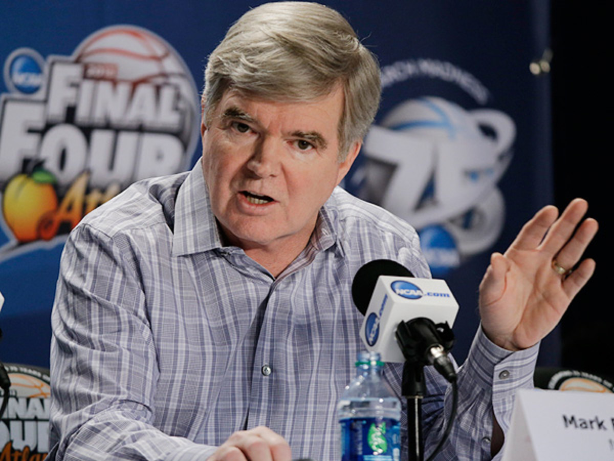 Mark Emmert didn't shy away from confronting reporters at Thursday's Final Four press conference. (David J. Phillip/AP)