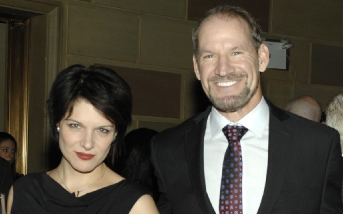 Bill Cowher appears in the latest music video from his girlfriend. (Charley Gallay/Getty Images)