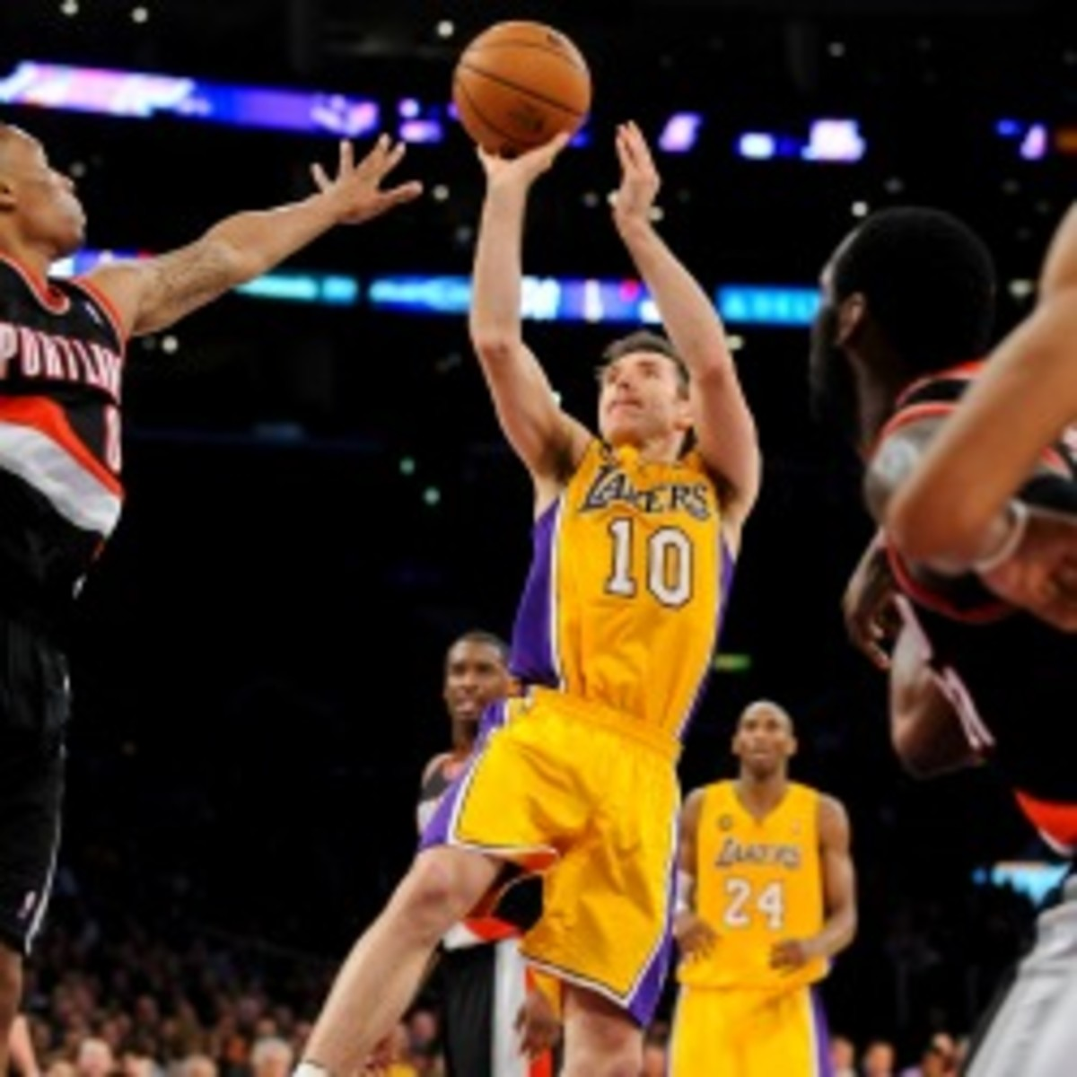 Steve Nash said his back tightened up in the first quarter of Friday's game in Portland. (Noah Graham/Getty Images)