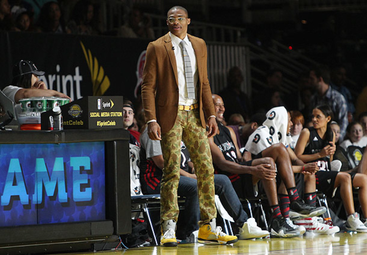 Russell Westbrook coaches the celebrity game