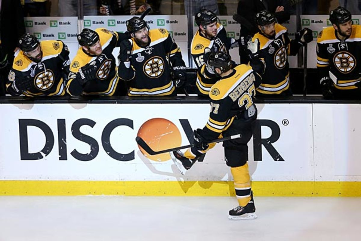 Patrice Bergeron of the Bruins may not play in Stanley Cup Final Game 6.
