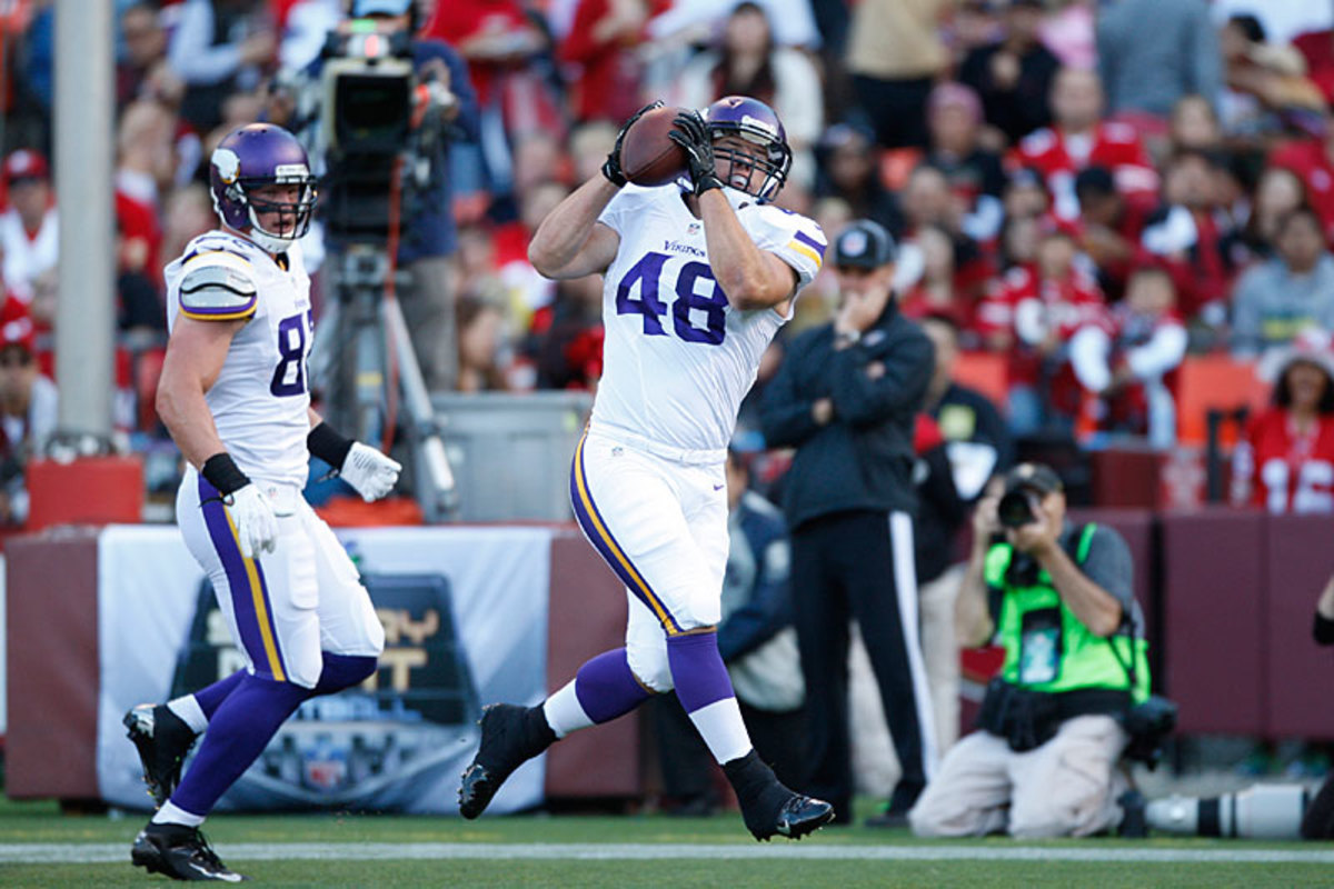 Line's pass-catching impressed GM Spielman—and in fact both of his preseason  touchdowns were on receptions. (Michael Zagaris/Getty Images)