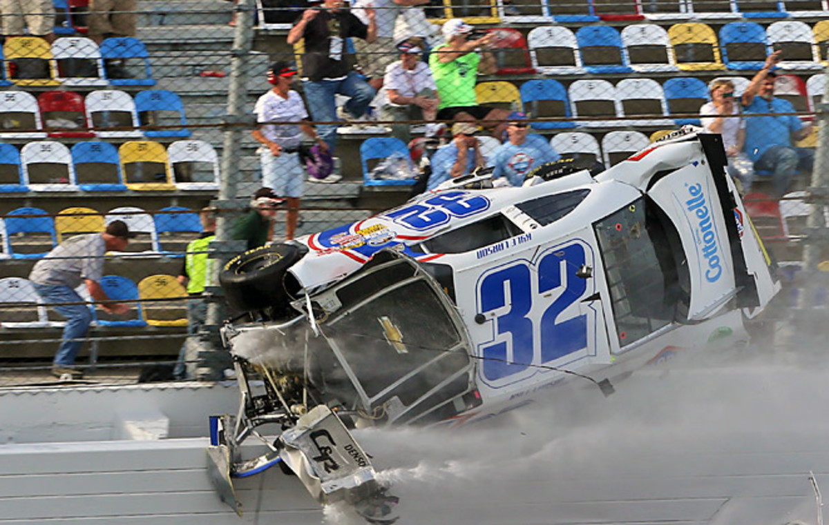 Lars Anderson Hurt Fans Cast Pall Over Johnson S Daytona 500 Win Sports Illustrated