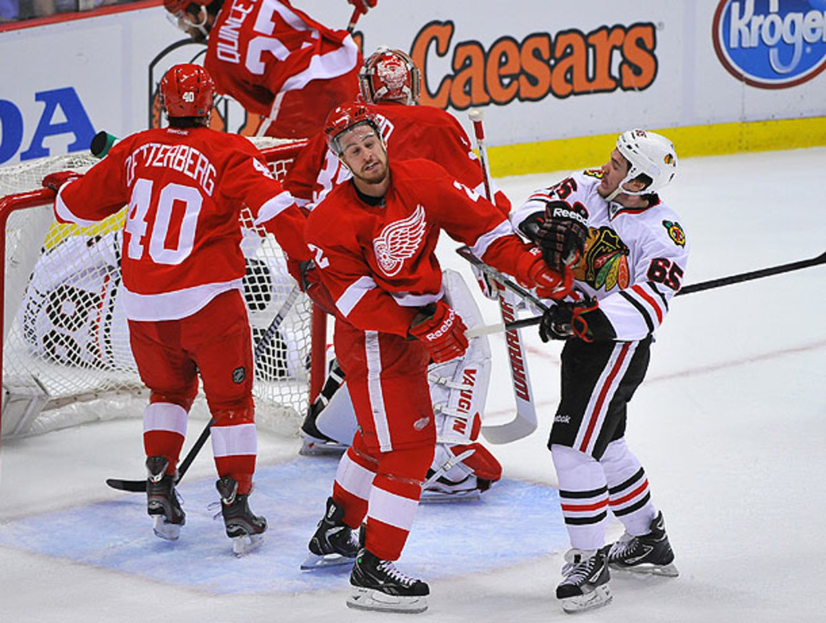 Andrew Shaw mixes it up with the Red Wings.
