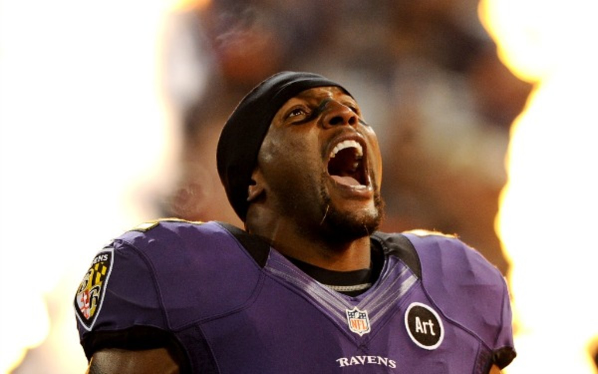 Ex-Ravens LB Ray Lewis' mountain climb was cancelled because of illness and a foot injury. ((Patrick Smith/Getty Images)