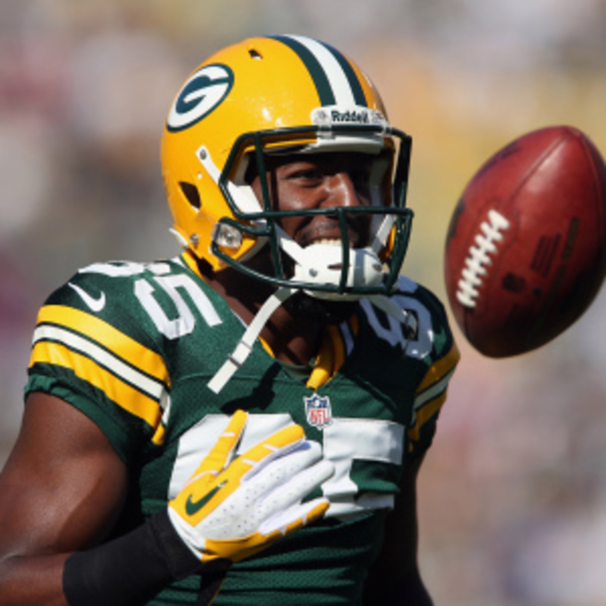 Greg Jennings took out a full page ad in the Milwaukee Sentinel Journal to thank his Packers fans. (Jeff Gross/Getty Images)